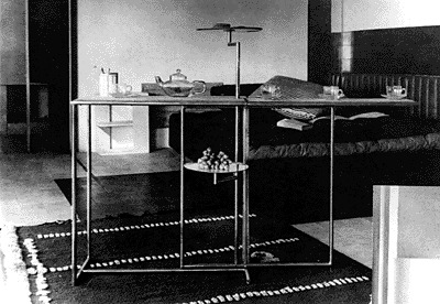 1926 rivoli table by eileen gray gate leg tea and cake serving table at e1027 mdba. Black Bedroom Furniture Sets. Home Design Ideas