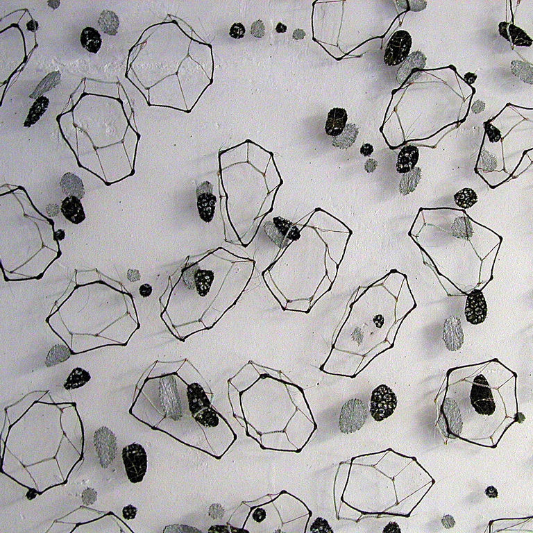 A3_MARIAN BIJLENGA---2002- horsehair, fabric- 130 x 130 cm