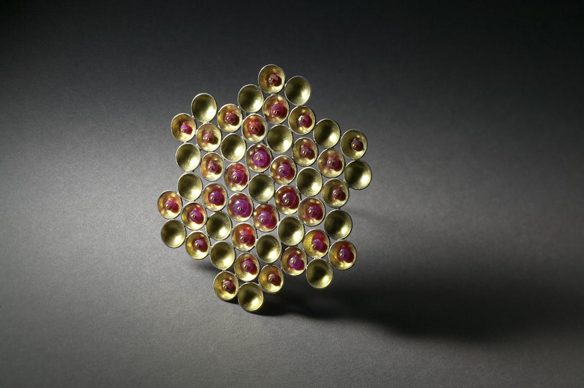 a3_mdba_mdby_jewelery_manufactured_crafts_sandraenterline_rubyhoneycombbrooch